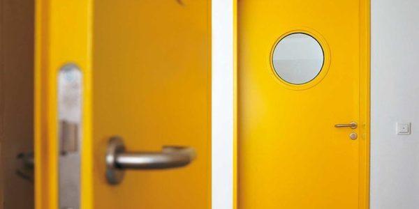Противопожарные двери: в чем их достоинства