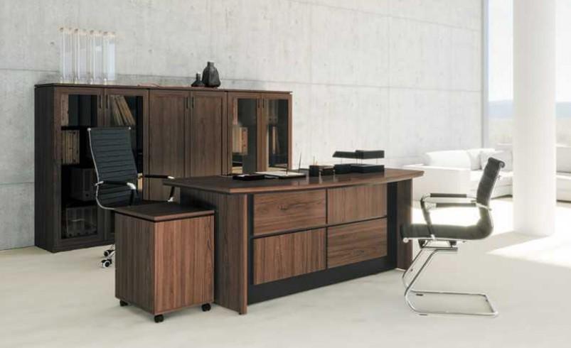 Как грамотно расположить мебель в офисе